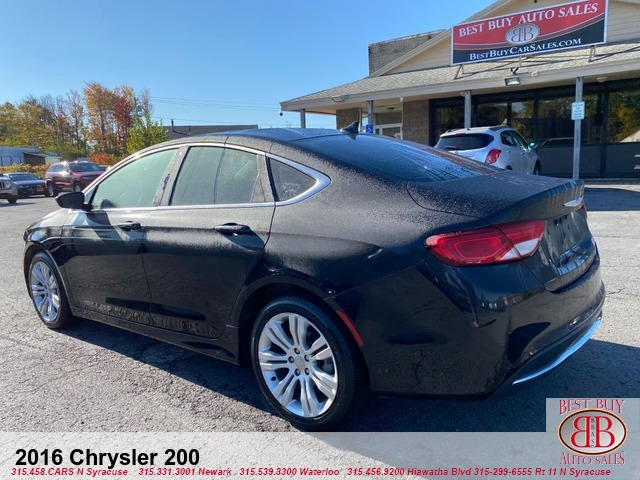 2016 Chrysler 200 Sedan