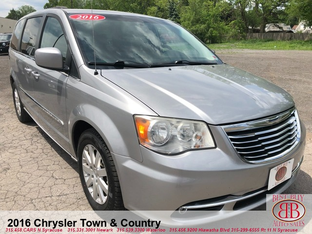 2016 Chrysler Town & Country Van/Minivan